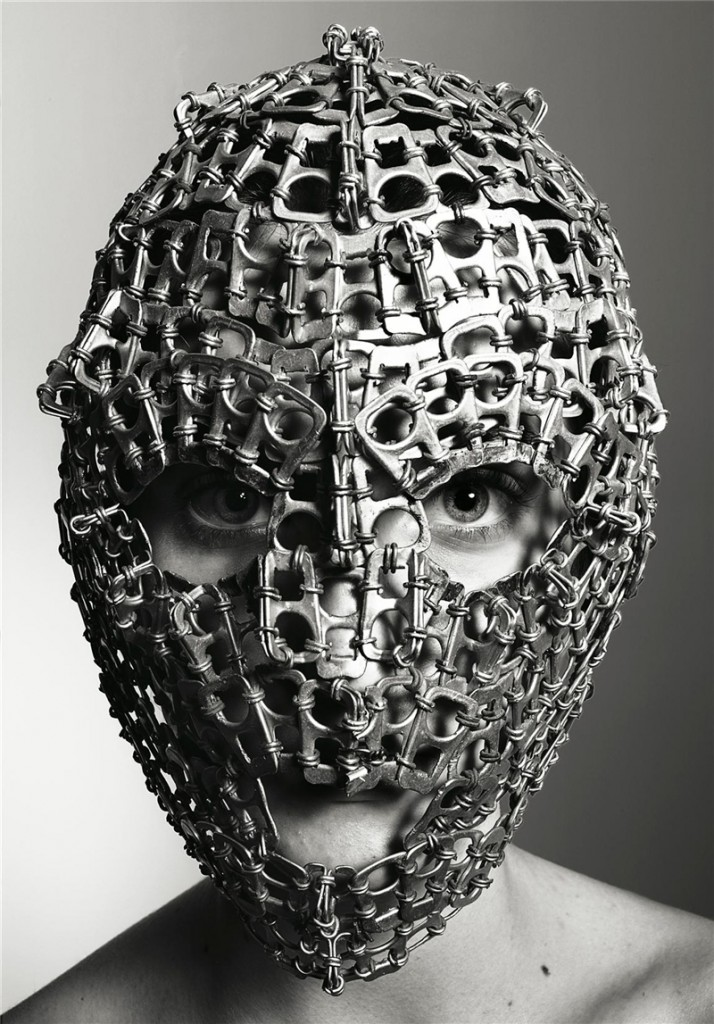 richard-burbridge-mask-photography-for-livraison-magazine3-714x1024